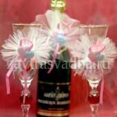 Украшения на бокалы и связку бутылок из фатина