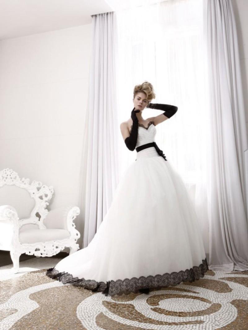 b17e586c5ac Свадебное платье мечты с дисконтом - zavtrasvadba.ru